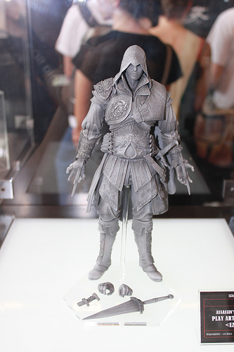 Square Enix Play Arts Assassin's Creed II Ezio - The ...