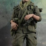 Hot-Toys-Platoon-Chris-Taylor-009