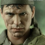 Hot-Toys-Platoon-Sergeant-Barnes-001