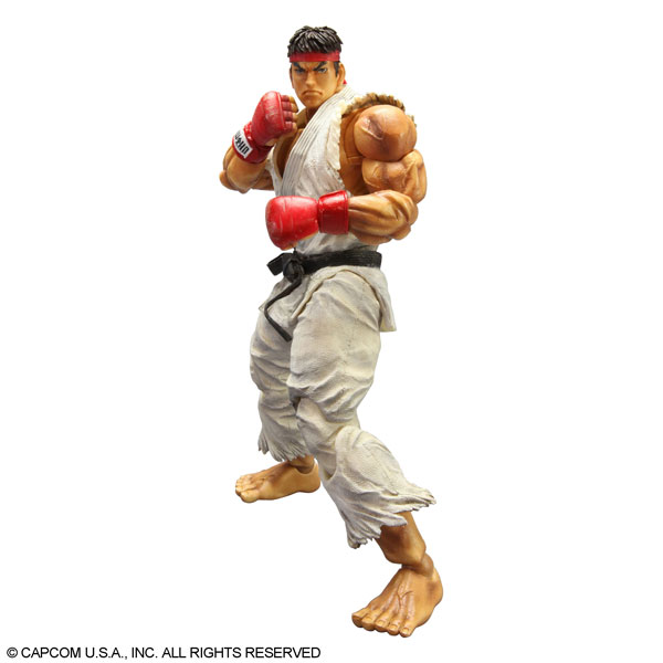Play-Arts-Kai-Super-Street-Fighter-IV-Ryu-1