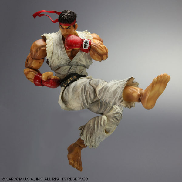 Play-Arts-Kai-Super-Street-Fighter-IV-Ryu-6