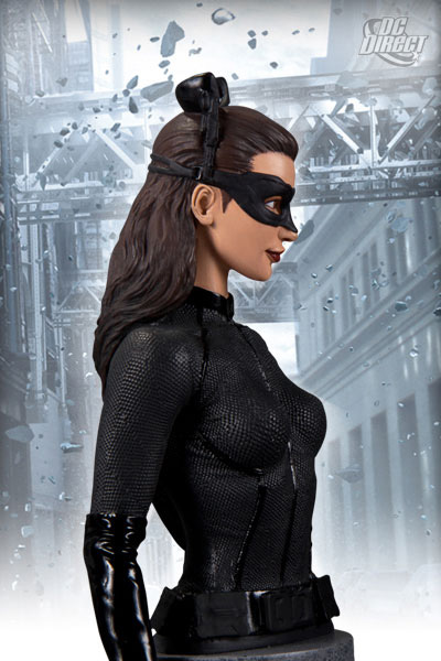 [Cinema] [Tópico Oficial] Batman: The Dark Knight Rises (spoilers a partir da p.20) Dark-Knight-Rises-Catwoman-Bust-2_1329834261