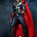 Hot-Toys-Avengers-Movie-Thor-004