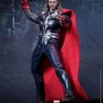 Hot-Toys-Avengers-Movie-Thor-005