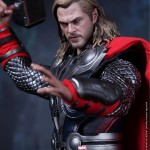 Hot-Toys-Avengers-Movie-Thor-012