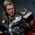 Hot-Toys-Avengers-Movie-Thor-013