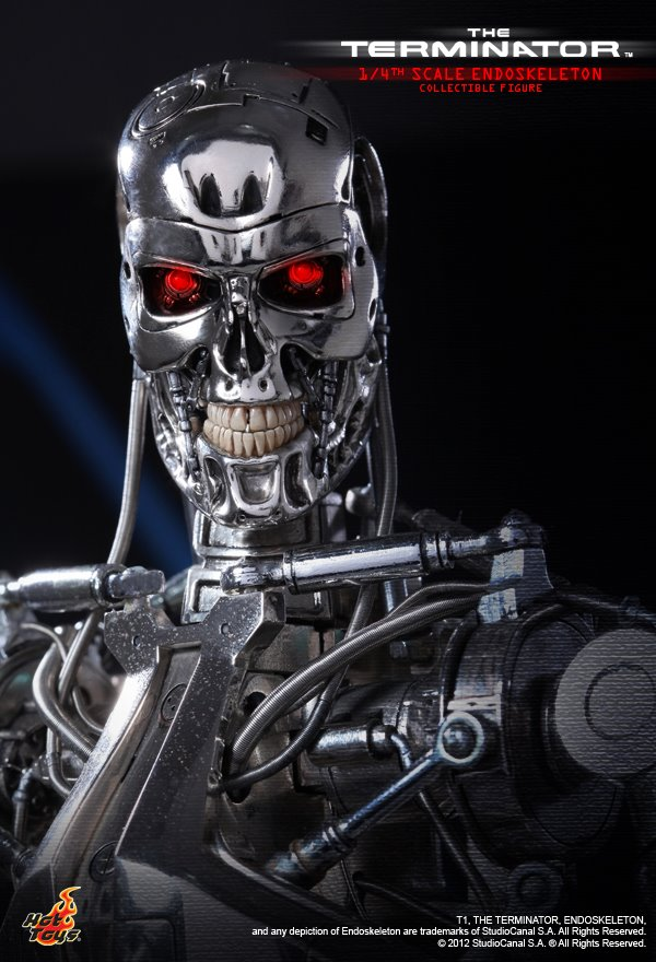 Hot Toys Terminator T-800 Gallery