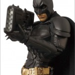 MAFEX-Batman-01