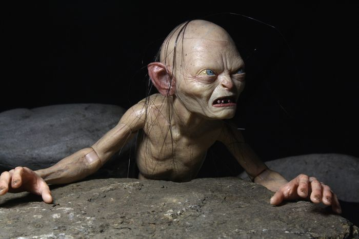 NECA Deluxe Lord of the Rings Gollum and Smeagol FiguresSmeagol Ring