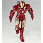 Revoltech-Iron-Man-Mark-VII--010