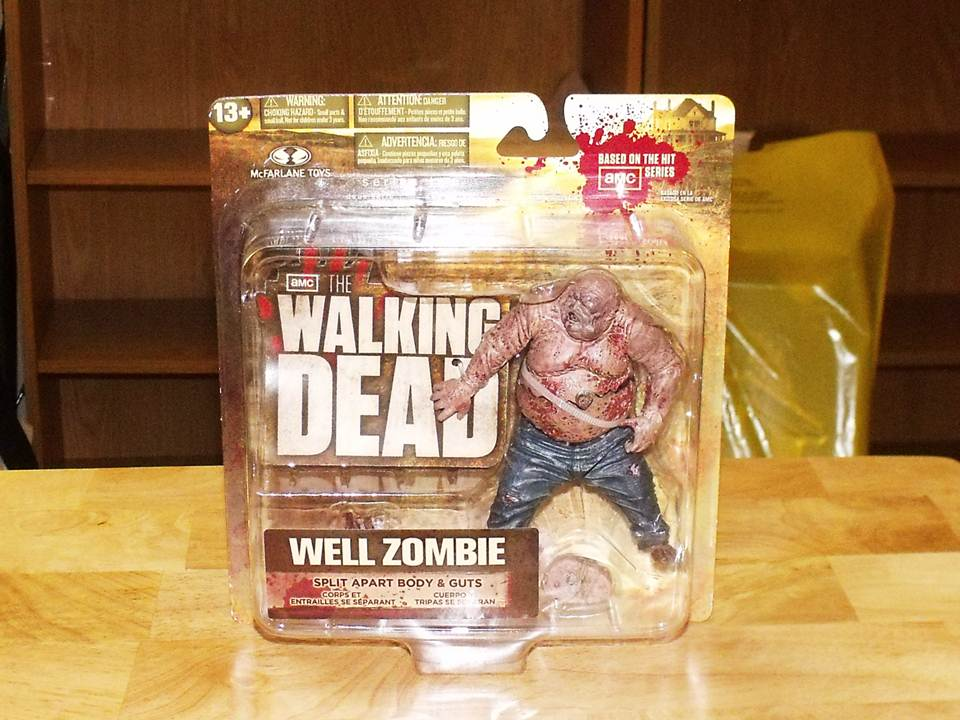Walking-Dead-TV-Series-2-Well-Zombie