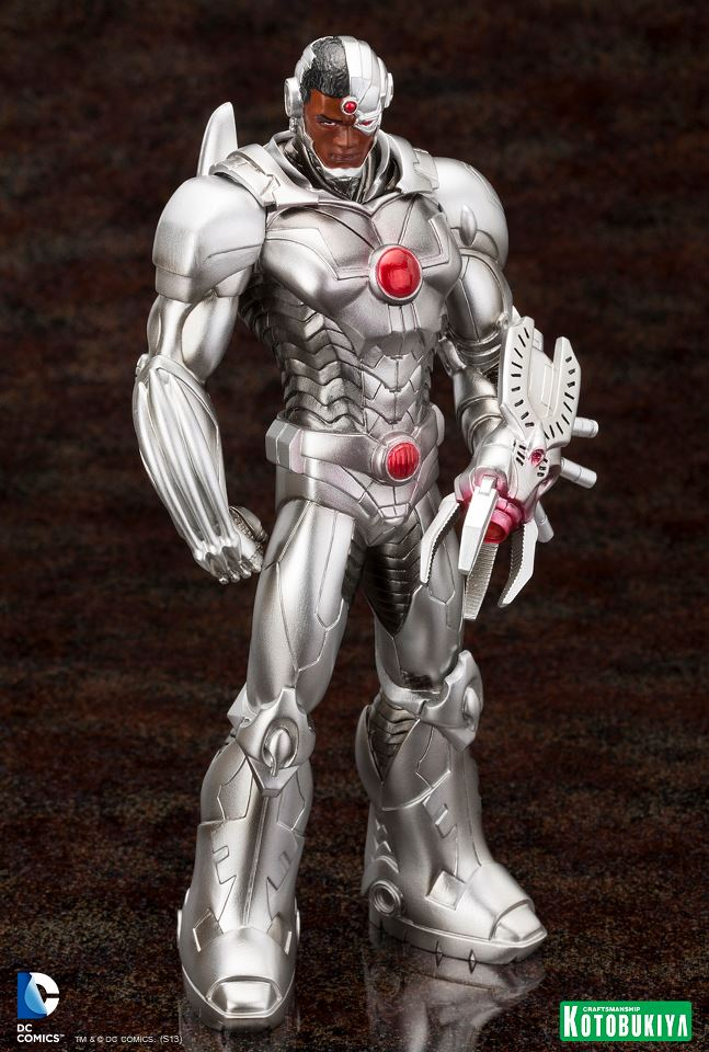 Justice-League-Cyborg-New-52-ARTFX-Statue-2