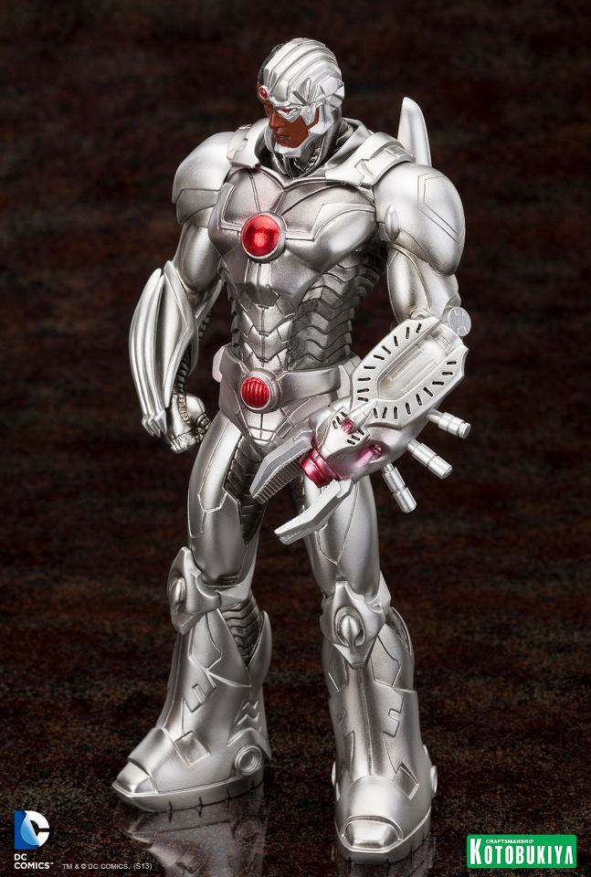 Justice-League-Cyborg-New-52-ARTFX-Statue-3