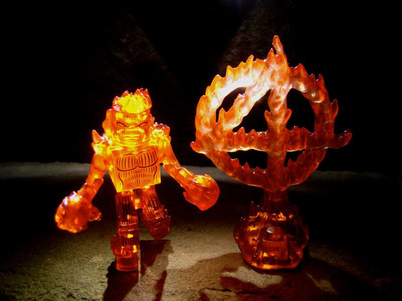Marvel-Minimates-Toys-R-Us-Series-15-Nova-Flame-Human-Torch