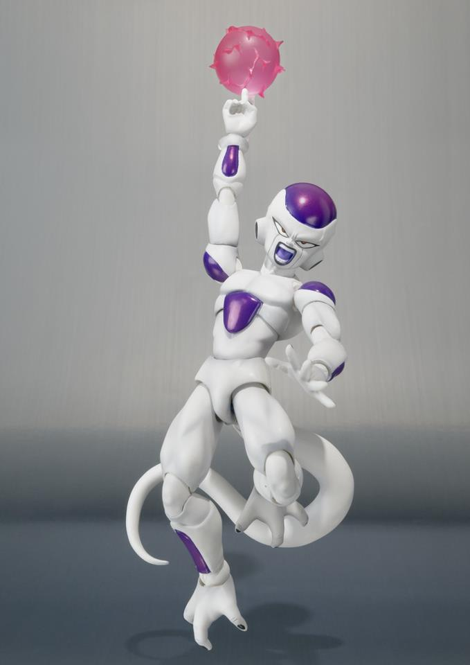 SH-Figuarts-Dragon-Ball-Z-Frieza-Final-Form-4