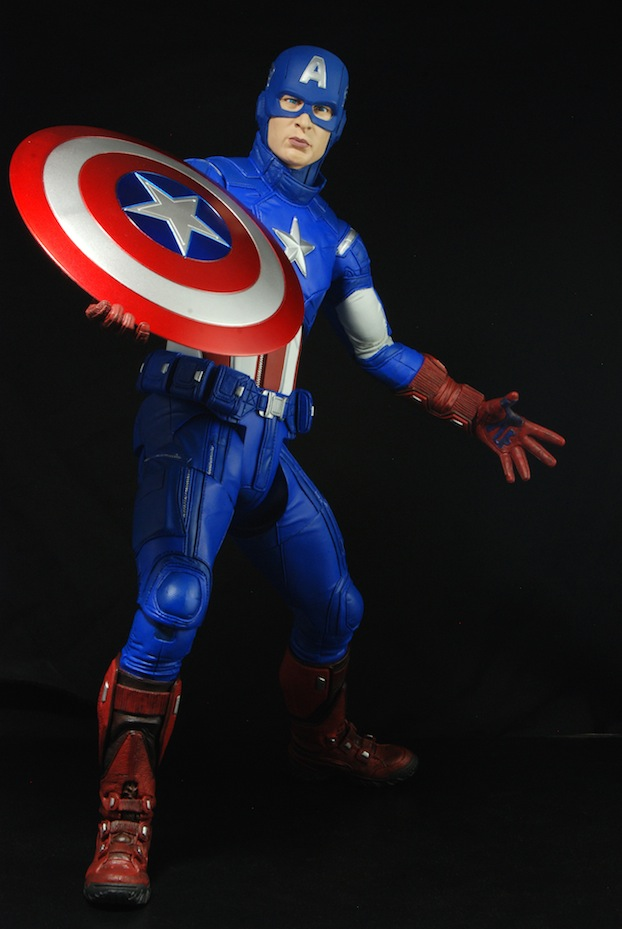 NECA - IRON MAN MARK VII 1/4 NECA-Captain-America-2_1359832134