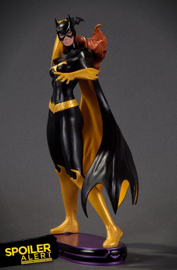 DC Comics Cover Girls: Batgirl Statue