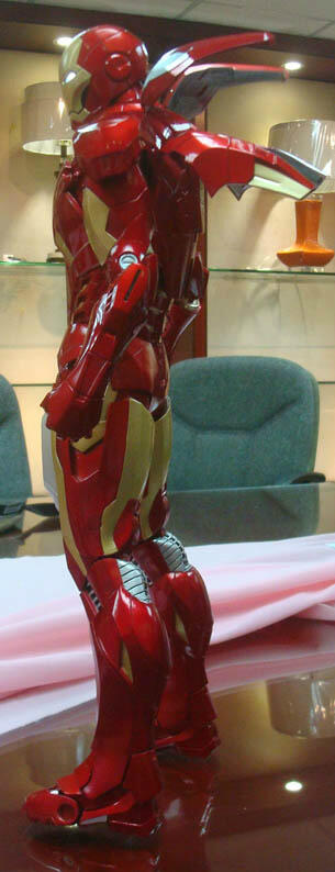 NECA - IRON MAN MARK VII 1/4 NECA-Quarter-Scale-Iron-Man-4