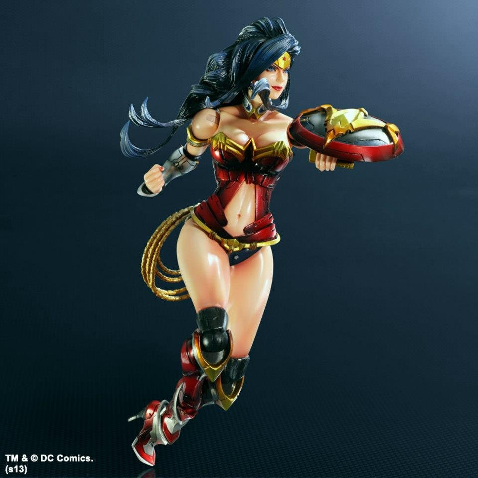 Play Arts Kai DC Comics Variant Wonder Woman 2