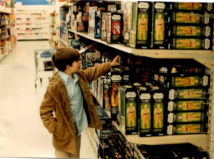 Vintage Kenner Star Wars toys On Shelves