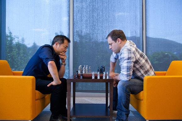 Jim Lee vs Geoff Johns DC Chess
