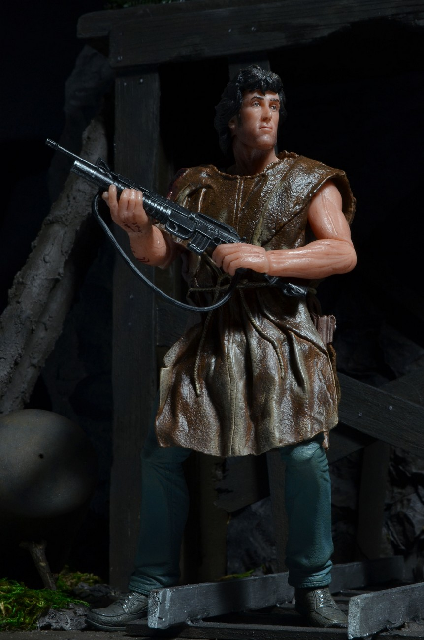 "[NECA] Rambo – 7″ Action Figure – Series 1 ""First Blood"" (Case 6)  - Página 2 Survival-Rambo-NECA-002"