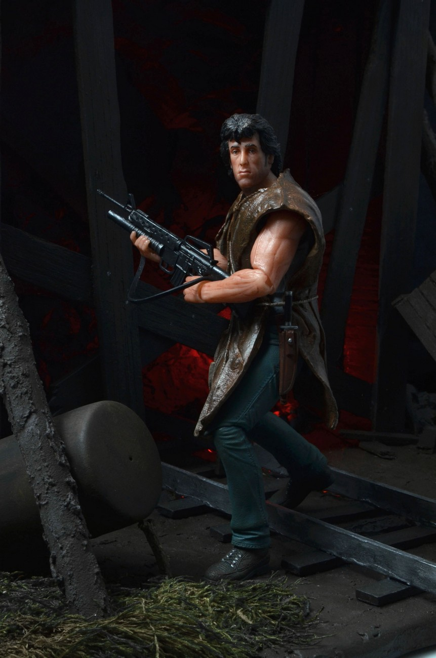 "[NECA] Rambo – 7″ Action Figure – Series 1 ""First Blood"" (Case 6)  - Página 2 Survival-Rambo-NECA-006"