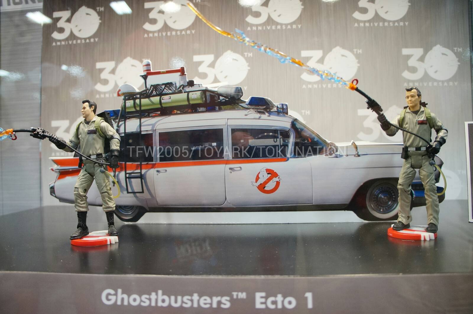 mattycollector updates on ghostbusters ecto 1 and. Black Bedroom Furniture Sets. Home Design Ideas