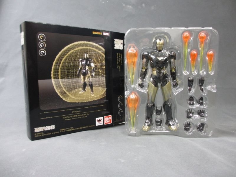 SH Figuarts Iron Man Mark VI Black And Gold 001