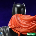 Batgirl Statue Preview