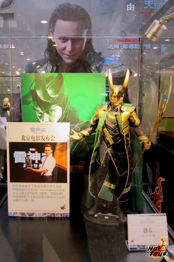 Thor The Dark World Exhibit by Hot Toys 005