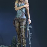 Lara Croft Survivor Statue 020