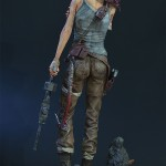 Lara Croft Survivor Statue 025