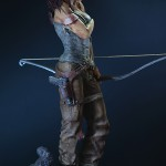 Lara Croft Survivor Statue 033