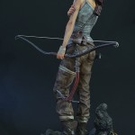 Lara Croft Survivor Statue 034