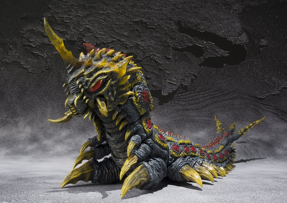 SH Monsterarts Battra and Mothra Larvae 007