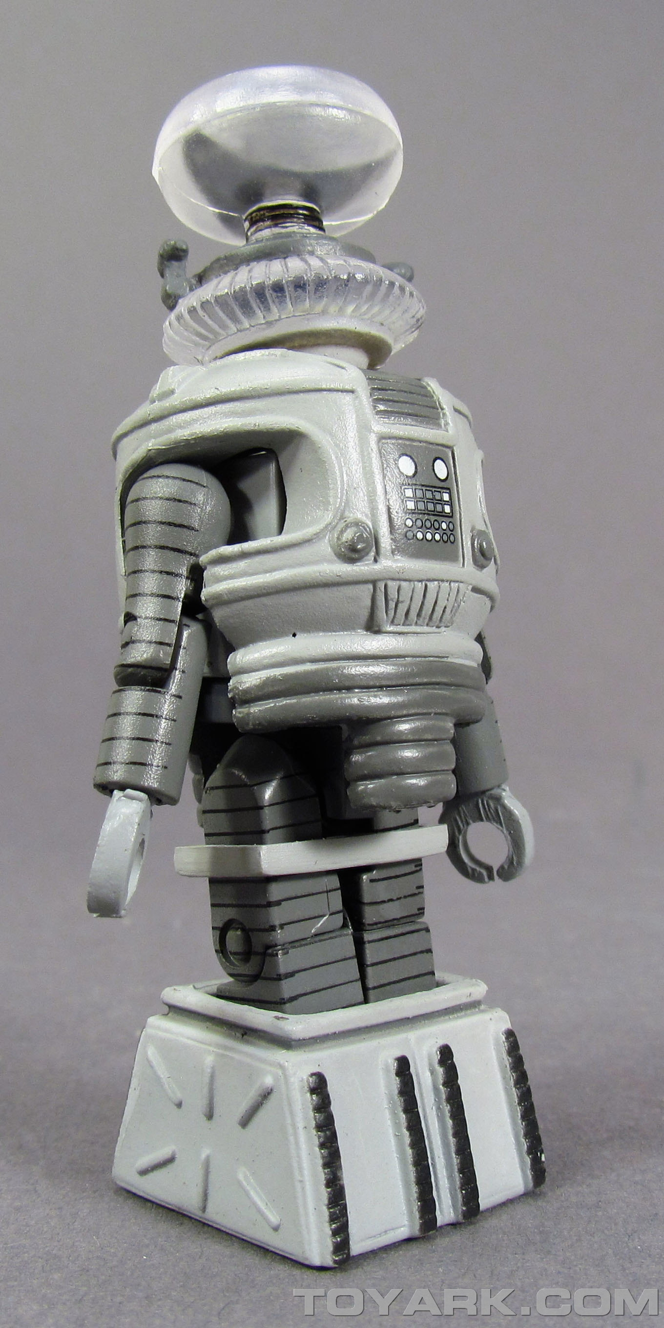 Lost In Space Minimates 010