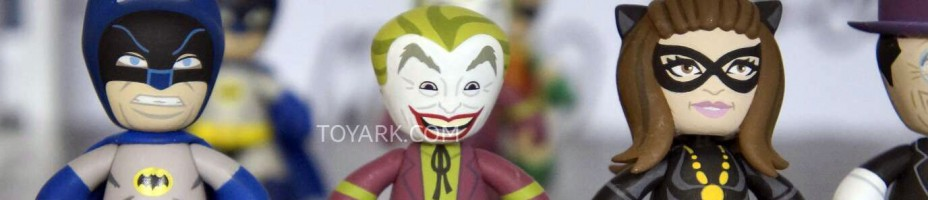Mezco TF Preview DC Mez Itz 003
