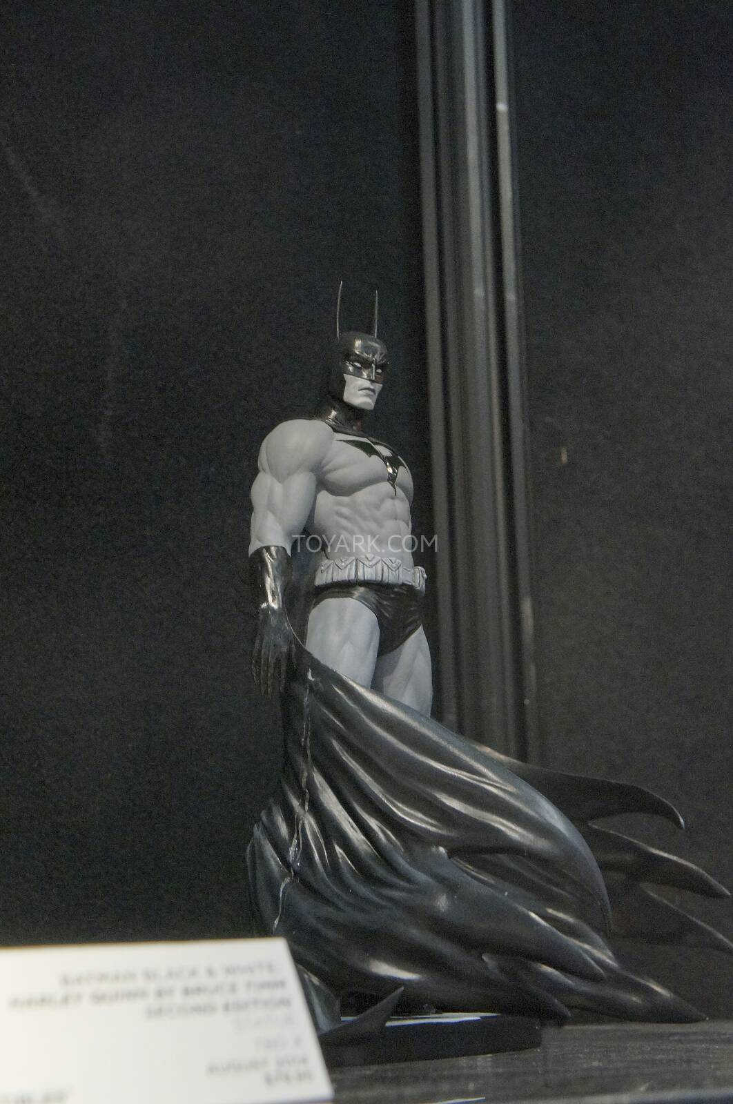 [Toy Fair 2014] DC Collectibles Toy-Fair-2014-DC-Collectibles-004