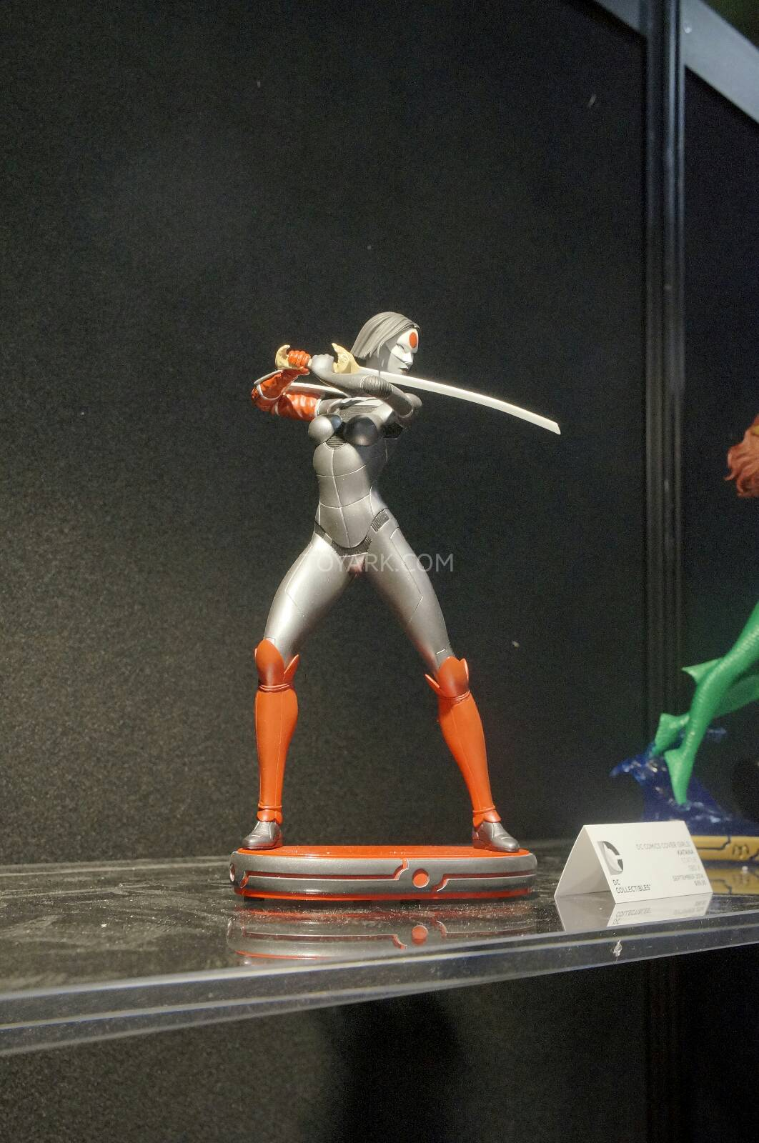 [Toy Fair 2014] DC Collectibles Toy-Fair-2014-DC-Collectibles-024