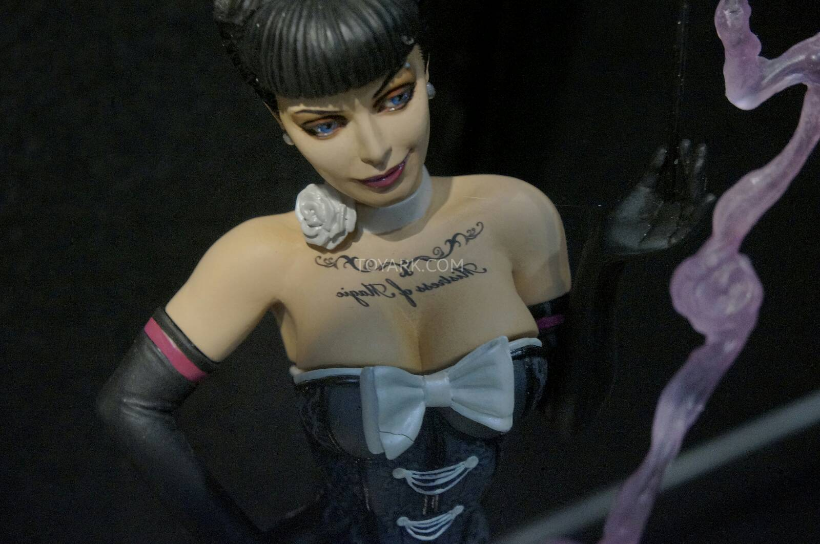 [Toy Fair 2014] DC Collectibles Toy-Fair-2014-DC-Collectibles-032