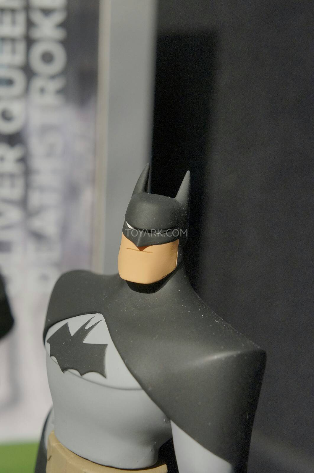 [Toy Fair 2014] DC Collectibles Toy-Fair-2014-DC-Collectibles-076