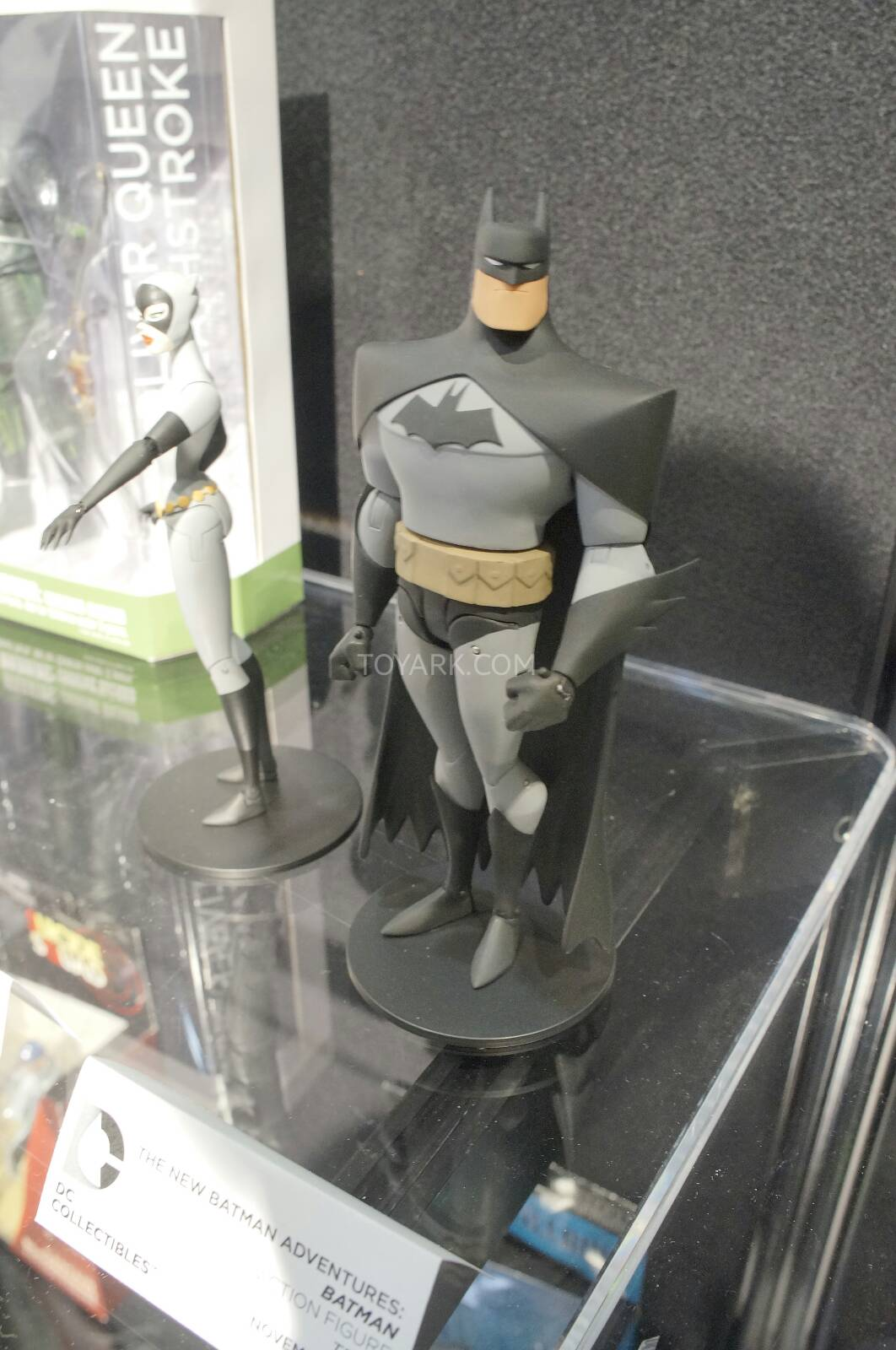 [Toy Fair 2014] DC Collectibles Toy-Fair-2014-DC-Collectibles-078