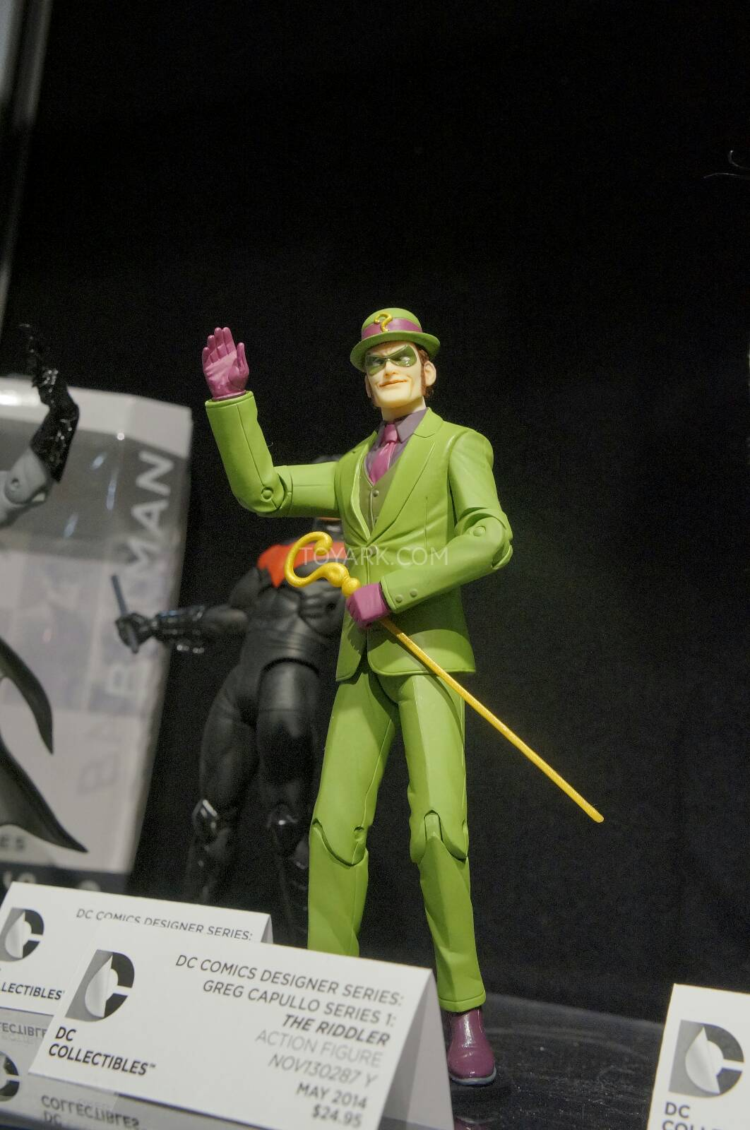 [Toy Fair 2014] DC Collectibles Toy-Fair-2014-DC-Collectibles-092