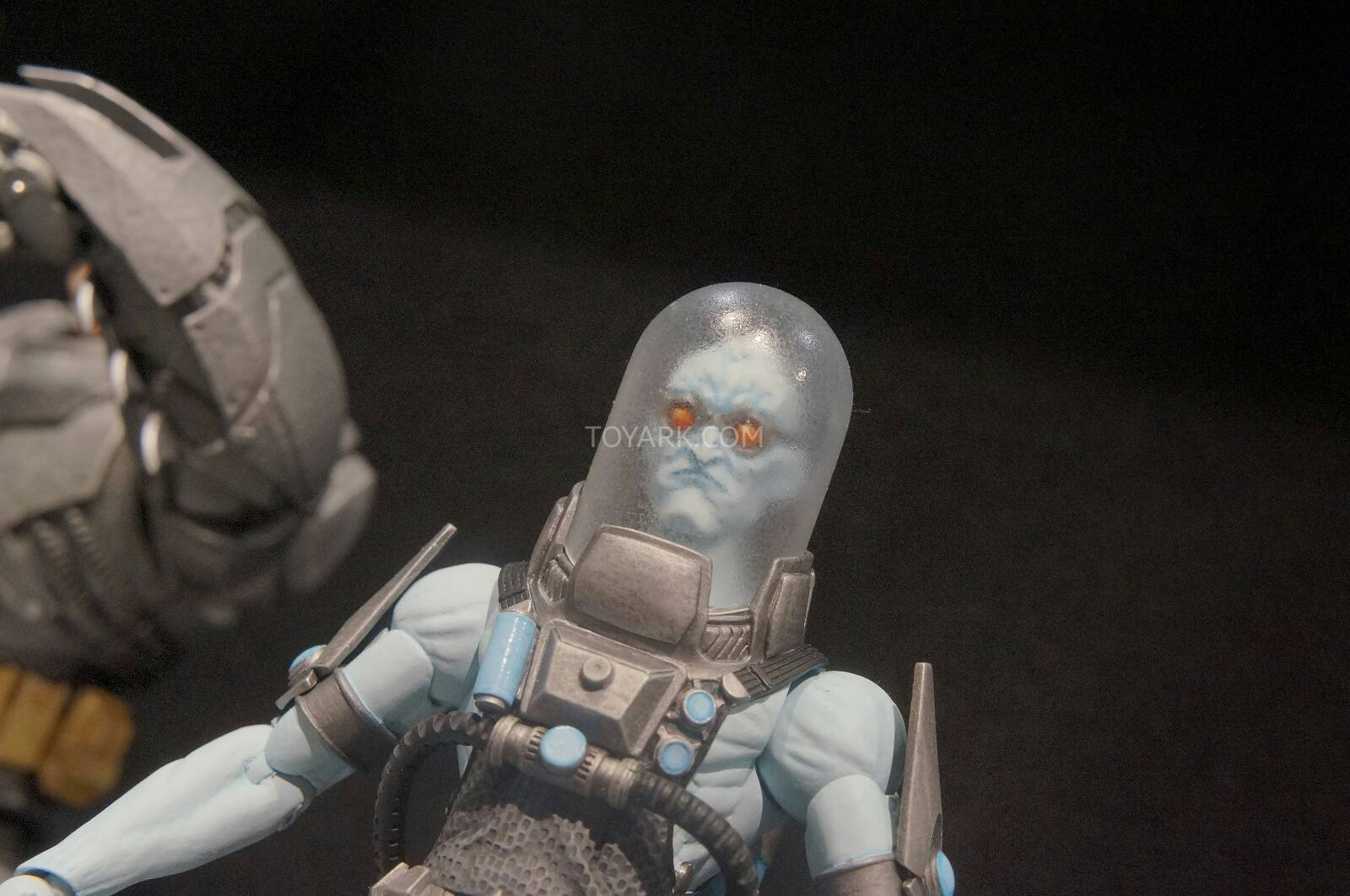[Toy Fair 2014] DC Collectibles Toy-Fair-2014-DC-Collectibles-102