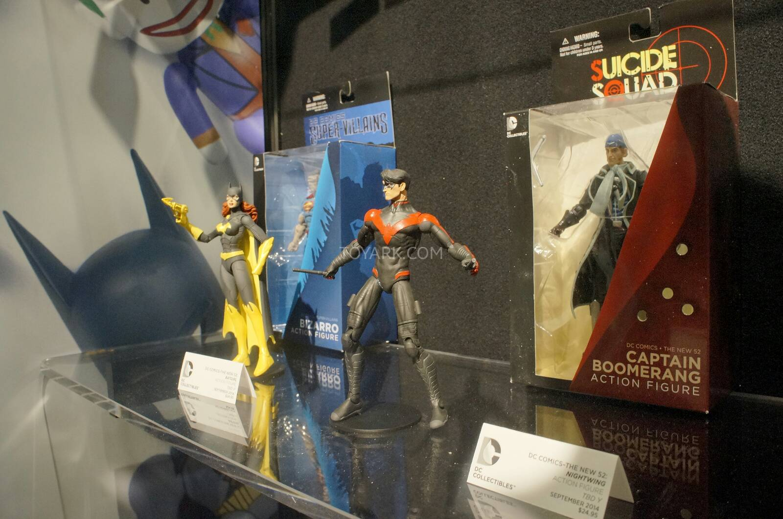 [Toy Fair 2014] DC Collectibles Toy-Fair-2014-DC-Collectibles-116