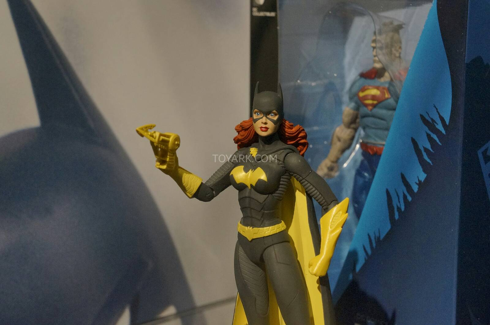 [Toy Fair 2014] DC Collectibles Toy-Fair-2014-DC-Collectibles-127