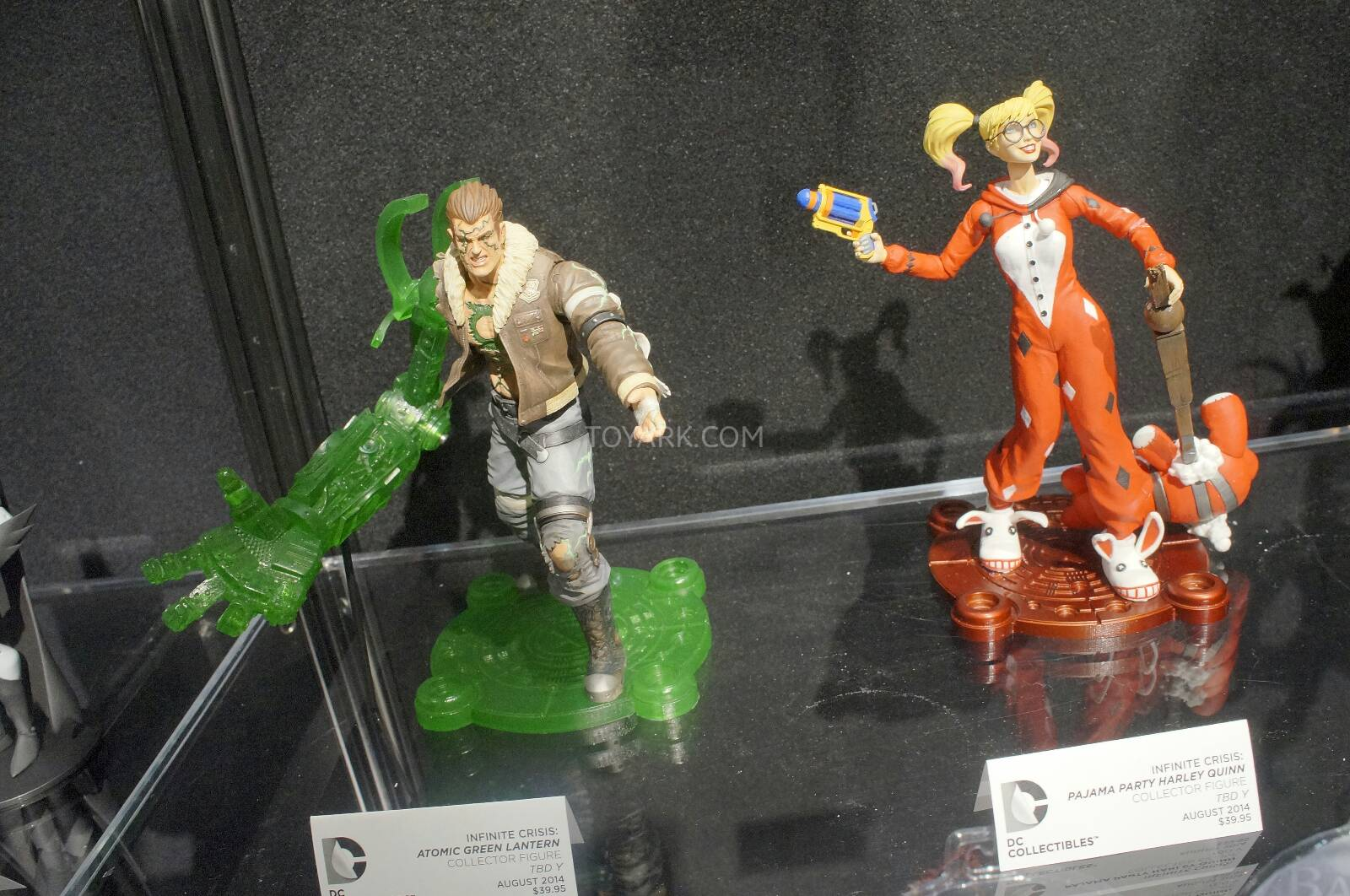 [Toy Fair 2014] DC Collectibles Toy-Fair-2014-DC-Collectibles-137