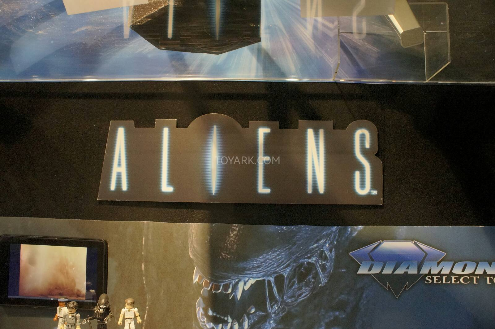 Toy-Fair-2014-DST-Aliens-Minimates-001.j