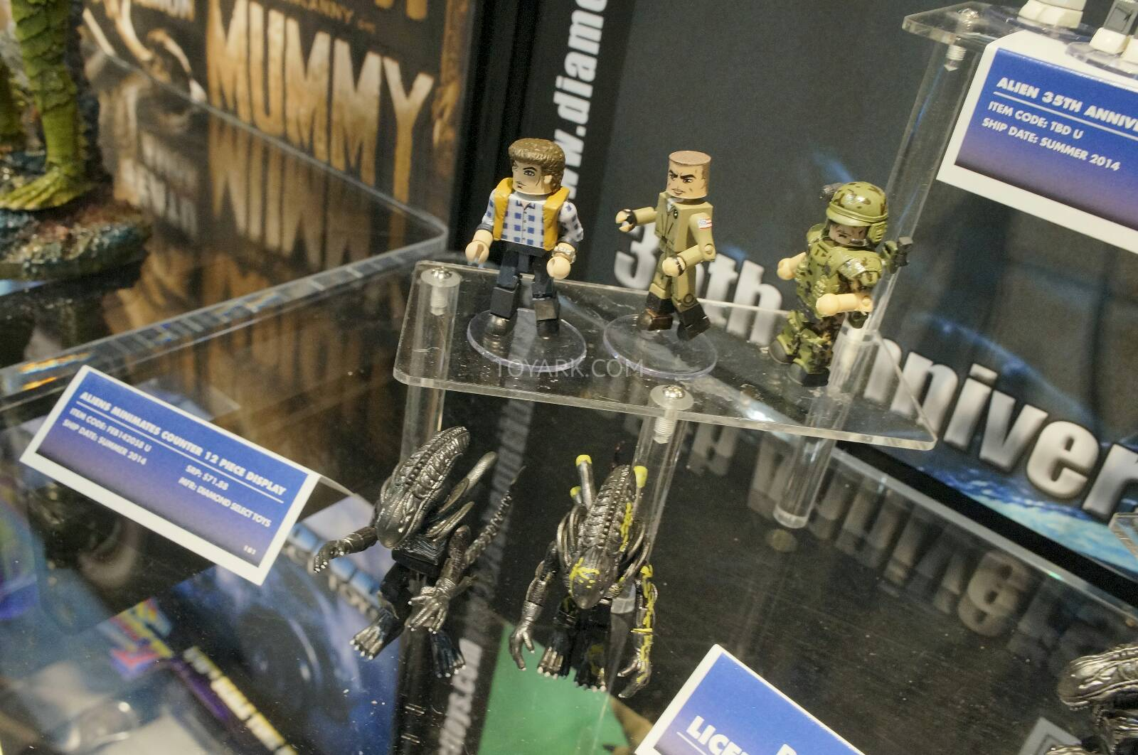 Toy-Fair-2014-DST-Aliens-Minimates-002.j